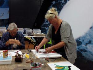 glasworkshop intuitief werken met glas bij infocentrum zand tegen zee
